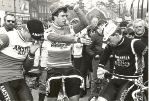 1984 Bladel. Petje af voor leider Jelle Nijdam zegt Nico Verhoeven (foto HvD)