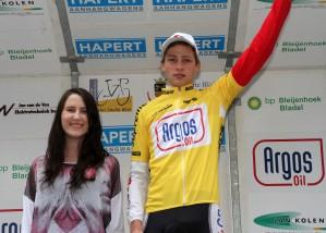 2012 acht etappe 2 Mathieu van der Poel (geel) en Neele van Hout