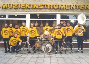 2014-10-25 Veldhoven 1975 TWC Tempo gesponsord door Muziekinstrumenten Mary Holland uit Veldhoven