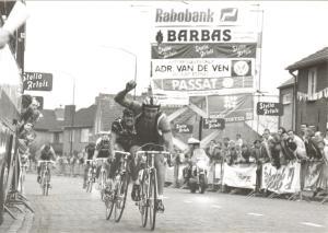 Bladel 1988 De Pool Zdsislaw Wrona wint de eerste etappe van de driedaagse Ster van Brabant (foto HvD)