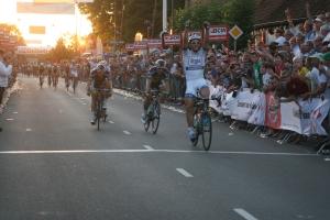 Chaam 24-7-2013---- 208 finish Marcel Kittel en broers van Poppel