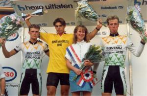 2014-07-17 Duizel 1990 Podium met winnaar Frank van Veenendaal (foto Ben)