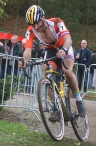 2015-12-16 Kempen 2015 Corné van Kessel 2015-11-07 EK Huijbergen besmeurd na spectaculaire koprol IMG_2792-001 Jo Nederkoorn)